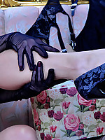 LacyNylons :: Rosa stockings clad girl