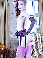 LacyNylons :: Dominica attractive girl in nylons