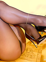Amazing Astrid | Free Stocking Pics | Horny MILF With Big Boobs In Pantyhose And High Heels